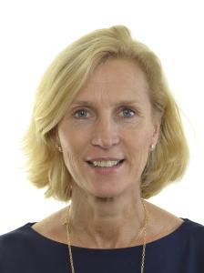 Isabella Hökmark, moderat riksdagsledamot, ställer sig oförstående.